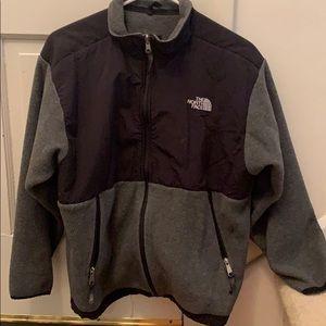 Boy's XL The North Face Gray Fleece Jacket